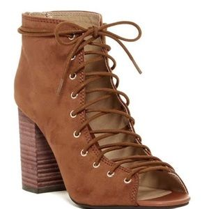 NWOB Chinese Laundry Lace Up Booties